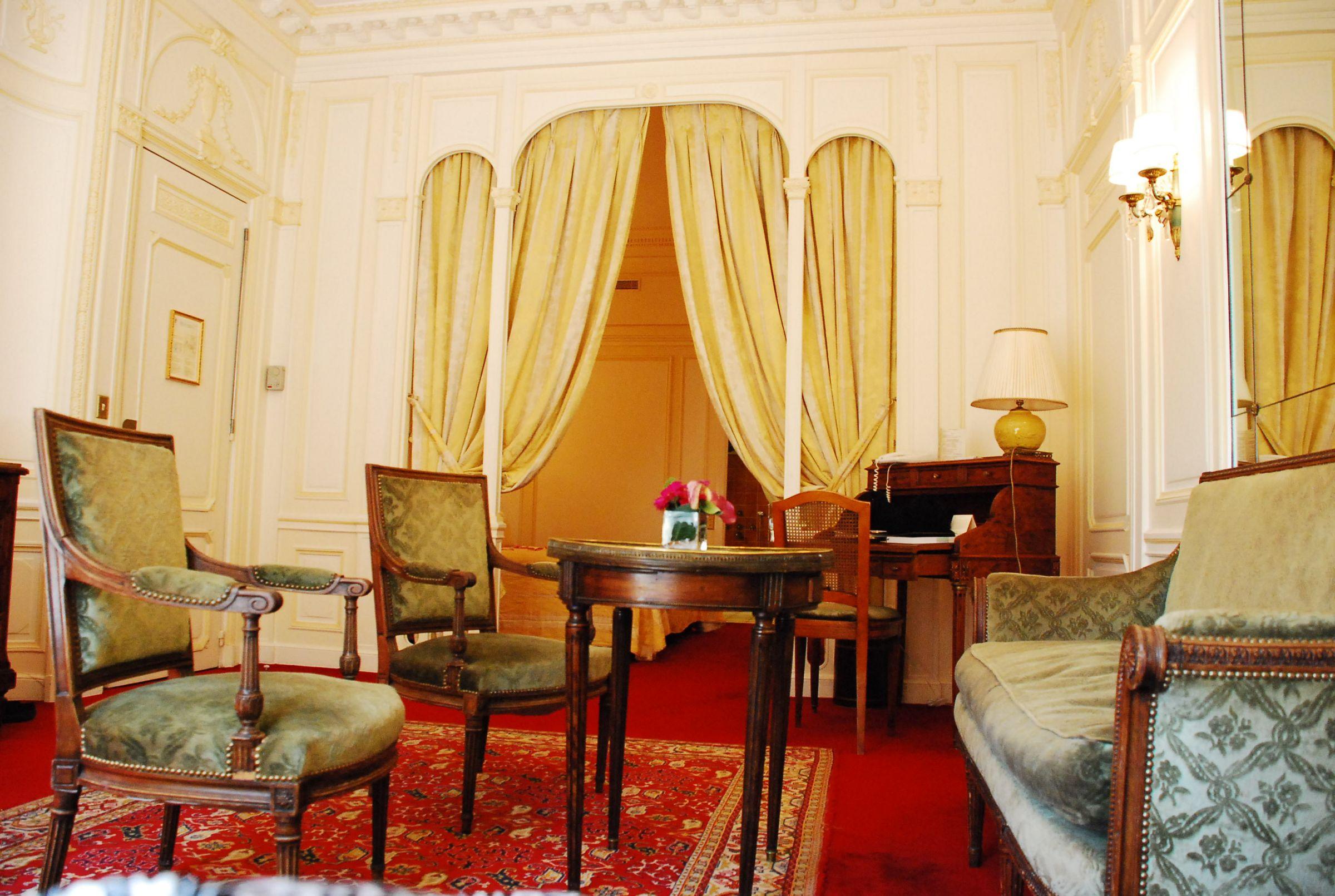 raphael paris preise hotelbewertungen und. Black Bedroom Furniture Sets. Home Design Ideas
