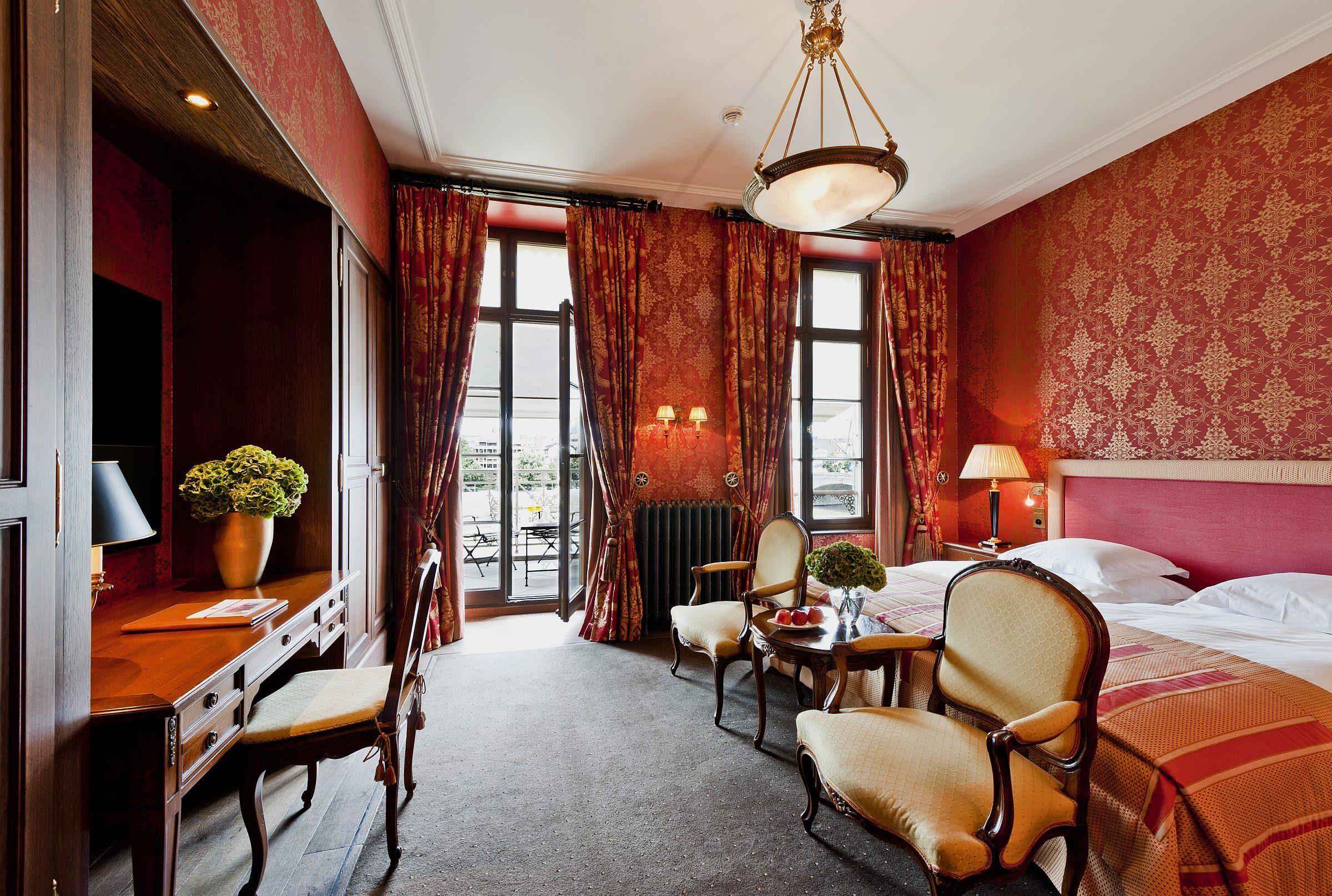 grand hotel les trois rois terrasse restaurant unterkunft reisetipps hotelreservierung und. Black Bedroom Furniture Sets. Home Design Ideas