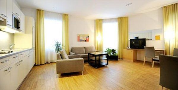 bar wohnzimmer wien:Unterkunft & Reisetipps, Hotelreservierung und Sehenswürdigkeiten