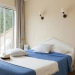 Pierre-Vacances-Premium-Les-Calanques-des-Issambres-Zimmer