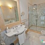 Golden Tower Hotel & Spa Florenz Badezimmer