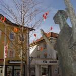 Skulptur und Büro