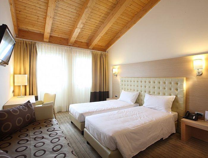 lazise hotelreservierung und camping reiseblog urlaub forum. Black Bedroom Furniture Sets. Home Design Ideas