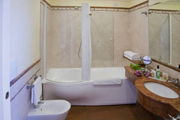 gardone riviera hotelreservierung reiseblog urlaub forum. Black Bedroom Furniture Sets. Home Design Ideas