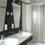 City Hotel - Badezimmer